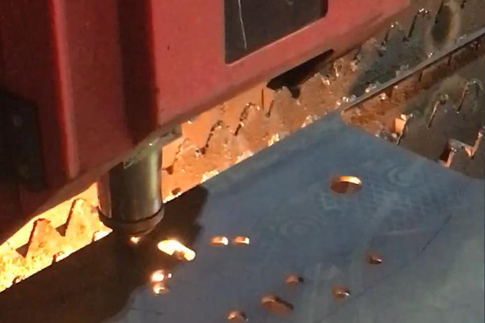 Laser cutting for the winch's fram