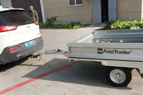 Fold box trailer driving