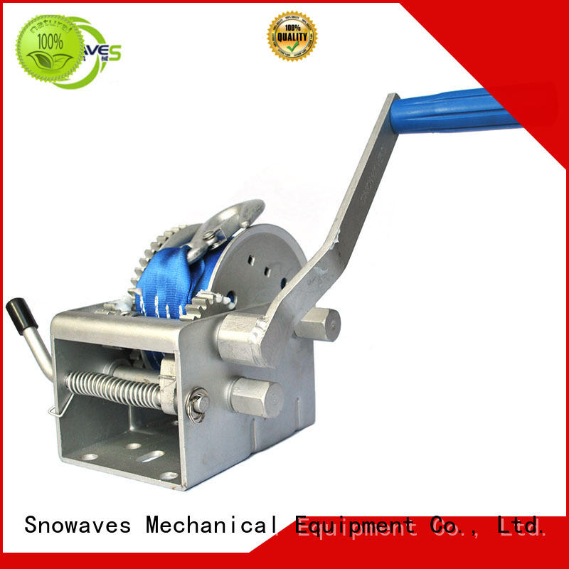 Snowaves Mechanical Marine winch pulling for camp
